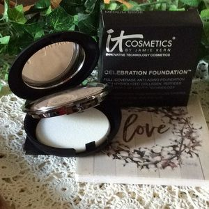 NWT IT Cosmetics Celebration Foundation Med Beige